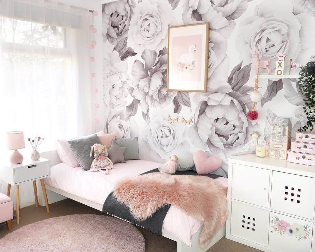 girls room 2021 floral pattern wallpaper