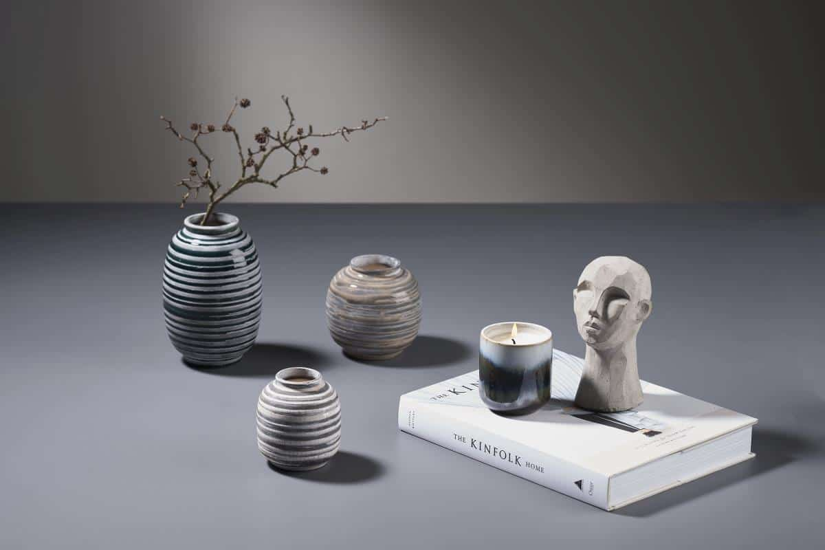 modern home decor trends 2021 small sculpture and vases