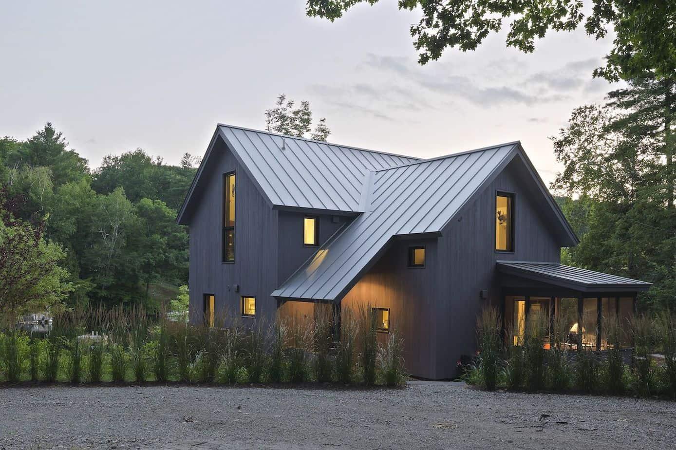 Modern Scandinavian house exterior paint colors 2021 charcoal grey