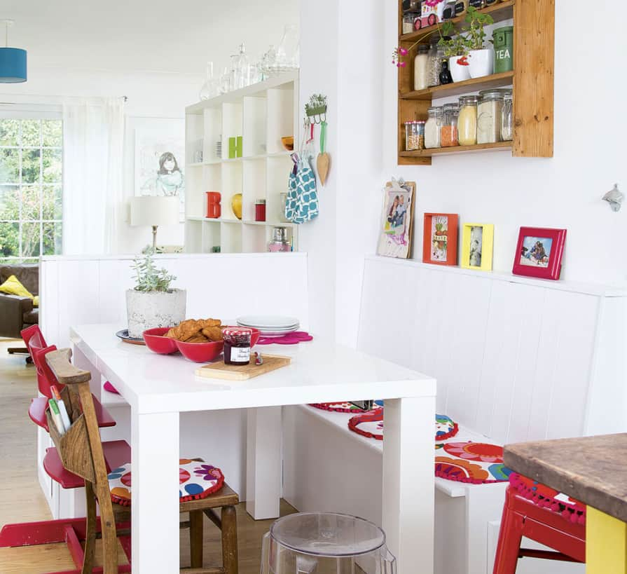 Dining Room Trends 2022 with a Banquette
