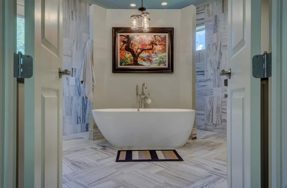 Bathroom Decor 2022 and colors